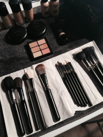 Backstage maquillage Clarins